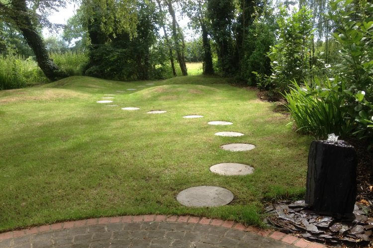 Water feature in garden for Mindfulness Meditation in Guildford.
