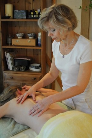 Sarah Church gives Reiki and Aromatherapy Massage in Normandy