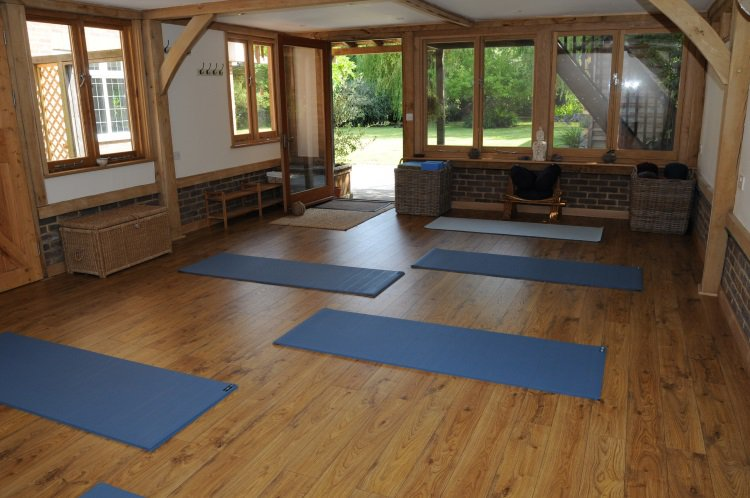 Beautiful barn-like Yoga Studio in Guildford - Yoga at The Oaks